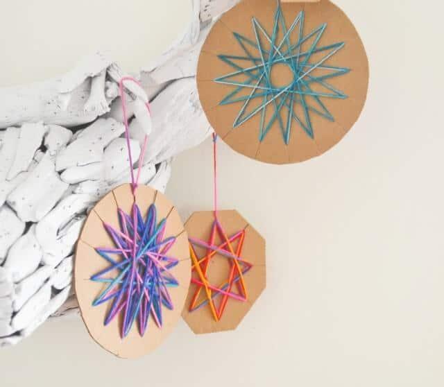 DIY-yarn-ornament-LAM