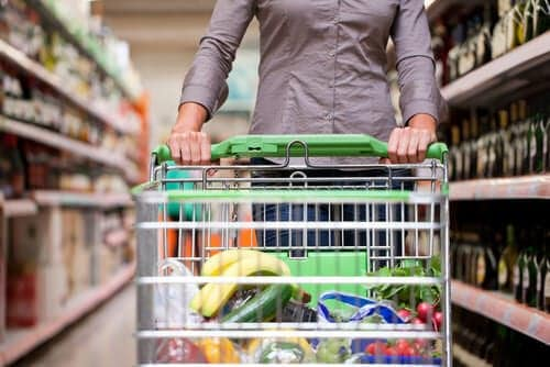 10 Tips On Trimming Your Grocery Budget – No Coupons Necessary!