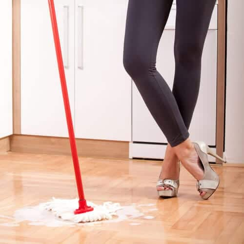 Keep your wood floors shiny with this cheap tip for Hardwood floors not shiny