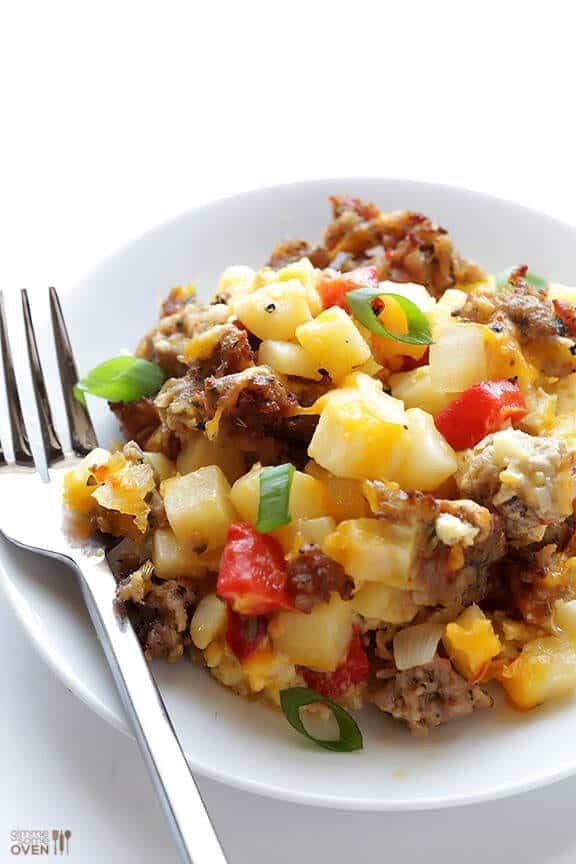 Easy-Breakfast-Casserole-LAM