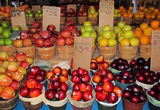 farmers-market-382957_640