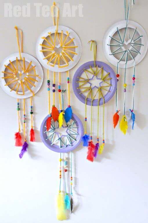 20 easy and adorable paper plate crafts for Ideas for making dream catchers