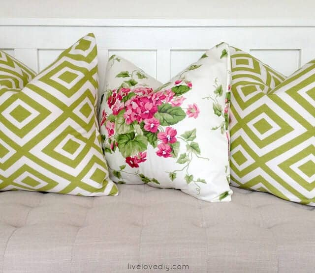DIY pillows made with glue! (4)