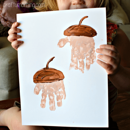 handprint-acorn-craft-for-kids