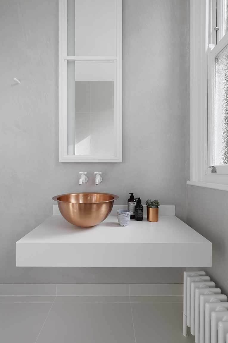 10 Ways To Make A Small Bathroom Look Big