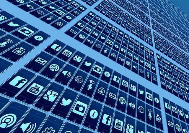 mobile-phone-426559_640