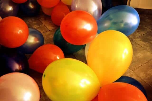 balloons-607281_640