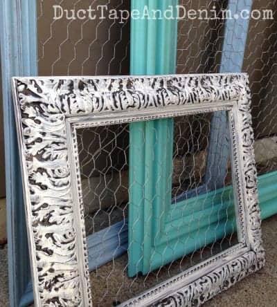 Close-up-of-my-chicken-wire-frames-DuctTapeAndDenim.com_