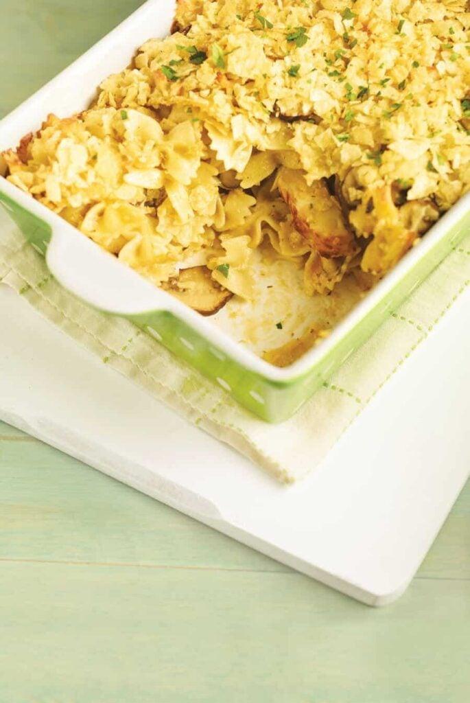 Cheesy-Chicken-Noodle-Casserole-6373