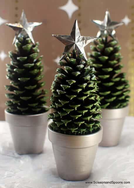 christmas-pinecones-LAM