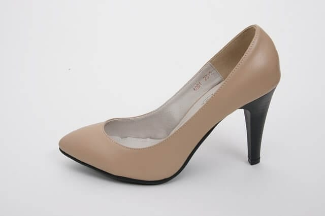 high-heels-606317_640