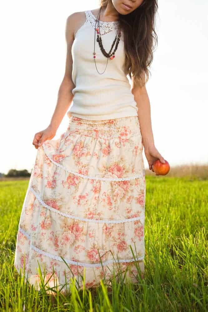 3 Fashionable Ways To Style A Maxi Skirt
