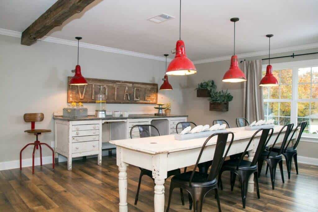 BP_HFXUP206H_Gulley_dining-room_AFTER_160404_503256.jpg.rend.hgtvcom.1280.853
