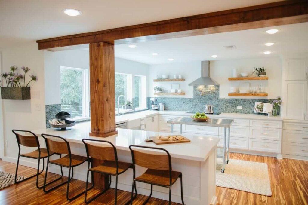 BP_HFXUP209H_Fuchs_kitchen_AFTER_169435_541884-1097913.jpg.rend.hgtvcom.1280.853
