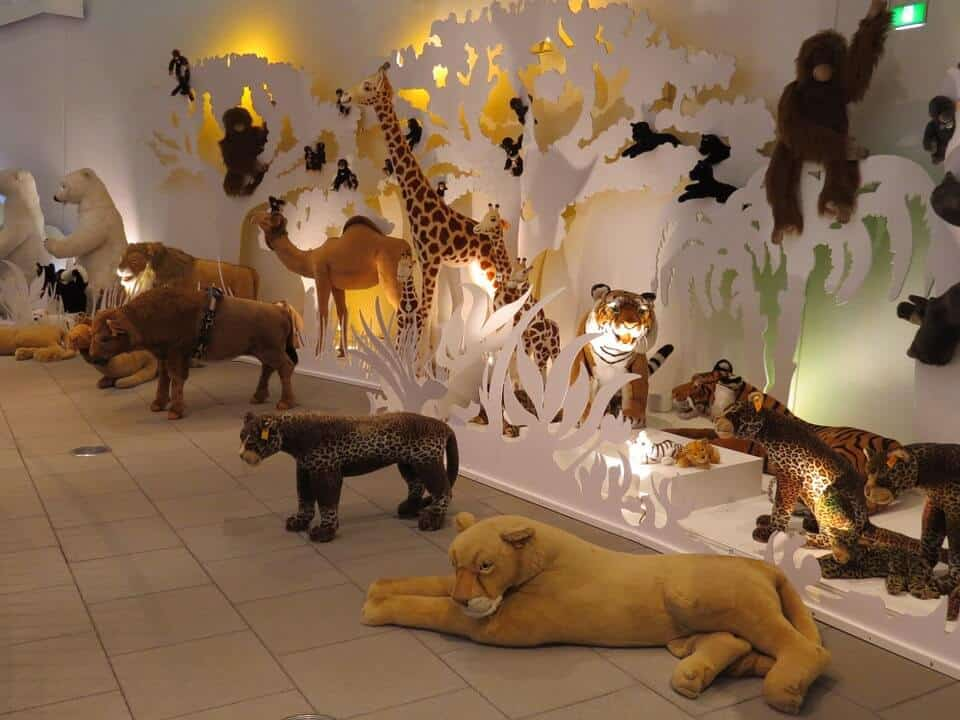 plush-animal-zoo-bedroom-design