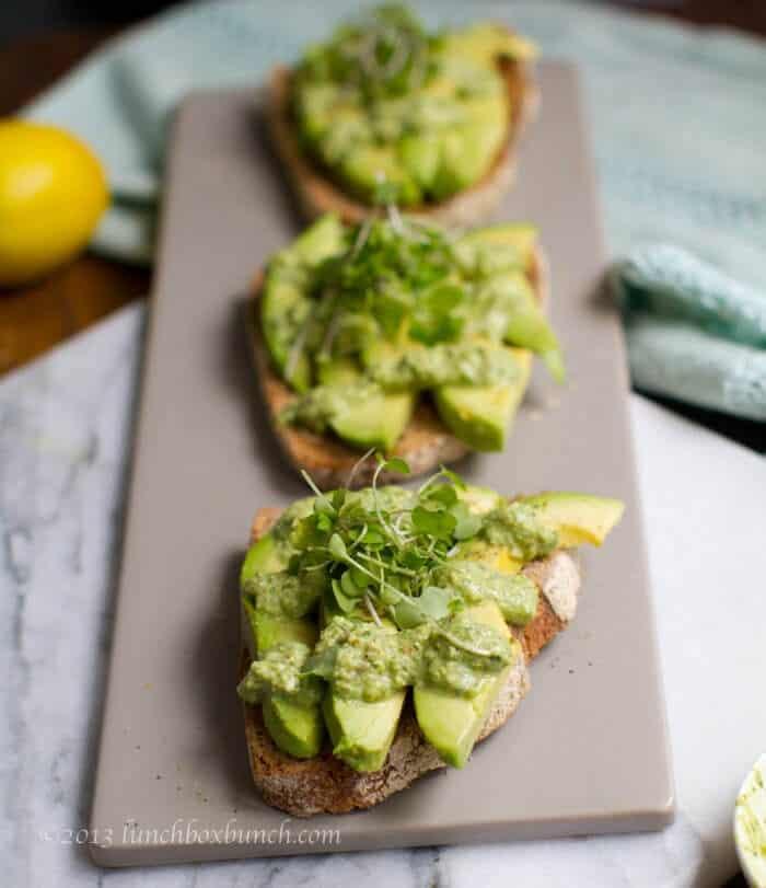 avo-pesto-toast 37