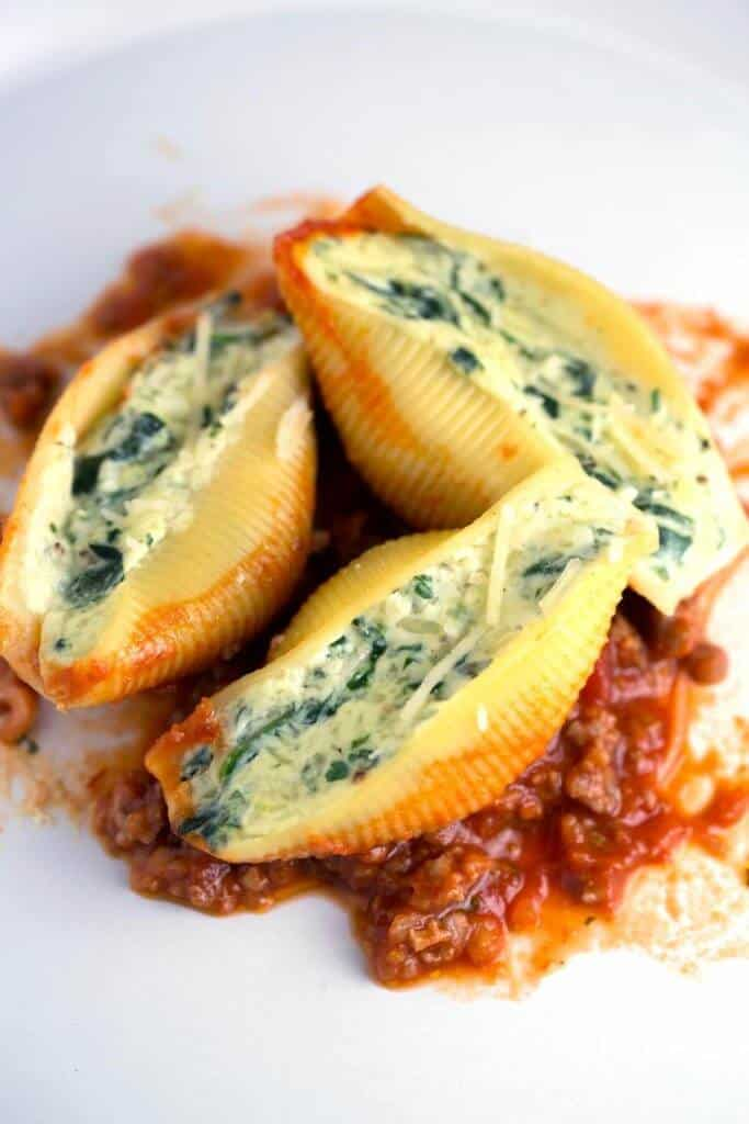 cheese-filled-stuffed-shells-with-meat-sauce