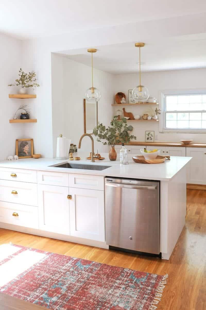 9 Wonderful White Kitchens