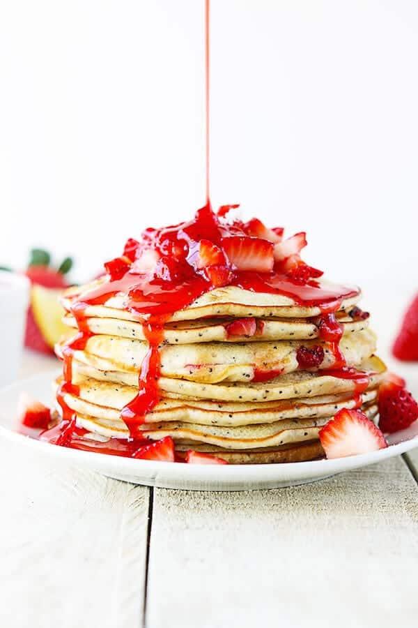 strawberry-lemon-poppyseed-pancakes-2b