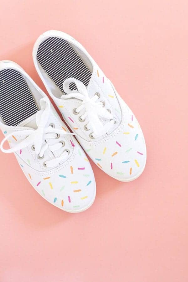 DIY-Sprinkle-Shoes-14(pp_w665_h997)