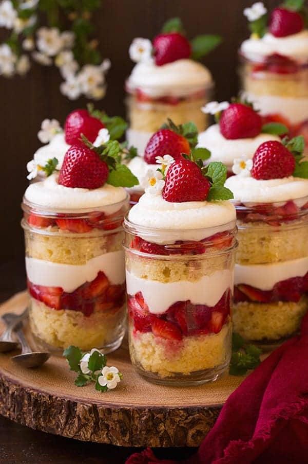 strawberry_shortcake_trifles2.