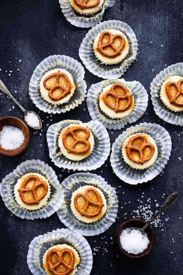 mini-salted-caramel-pretzel-cheesecakes-107-680x1020