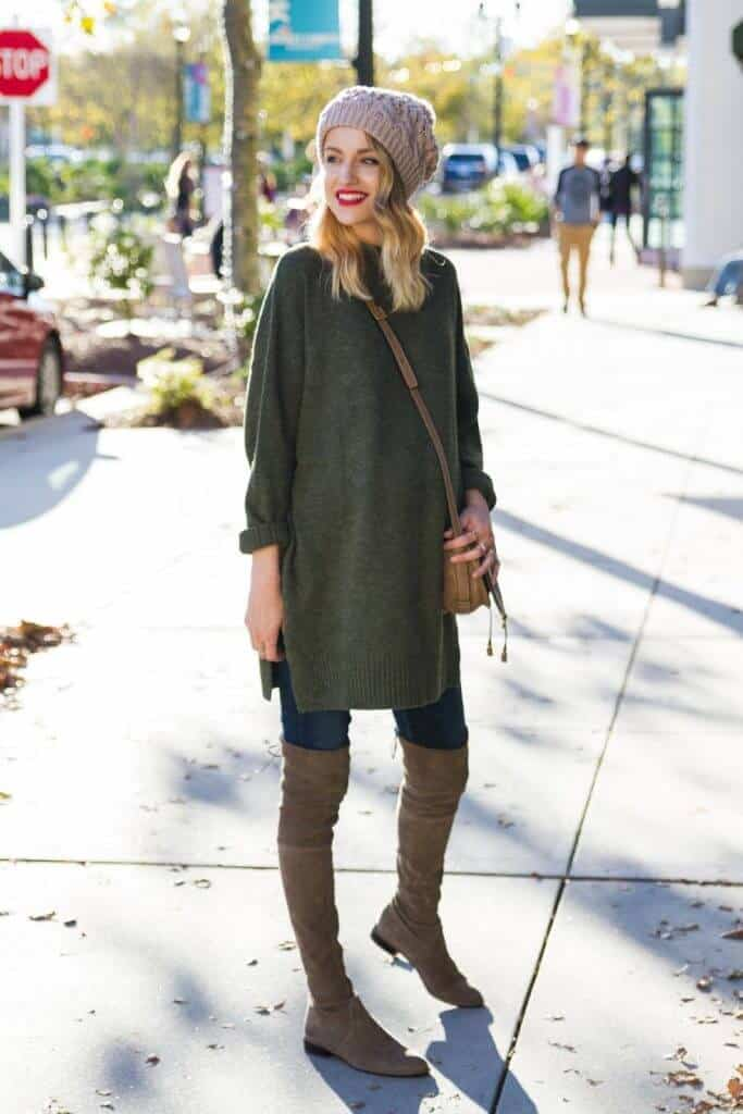 oversized-sweater-over-the-knee-boots