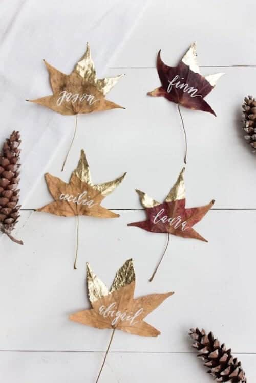 diy-thanksgiving-place-card-gold-leaves_1-480x719