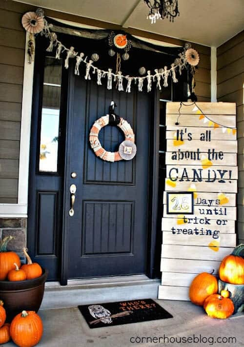 corner-house-halloween-front-door