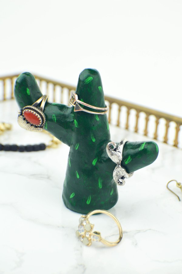 diy-cactus-ring-holder-5-681x1024