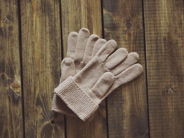 gloves-1268930_960_720