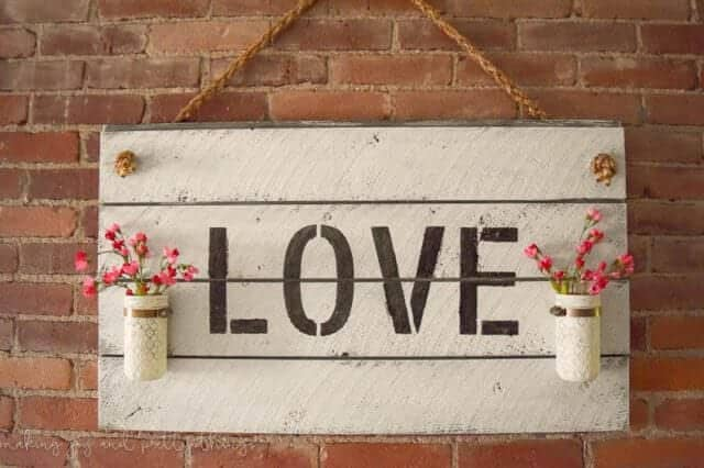 Love Shiplap Sign