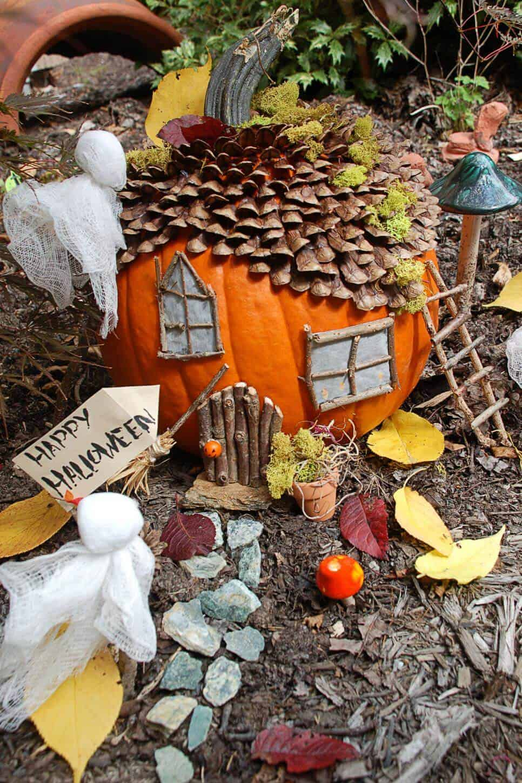 7 Hauntingly Cool Halloween Fairy Gardens