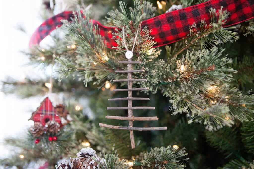6 of the cutest diy rustic christmas ornaments diy rustic christmast ornaments solutioingenieria Gallery