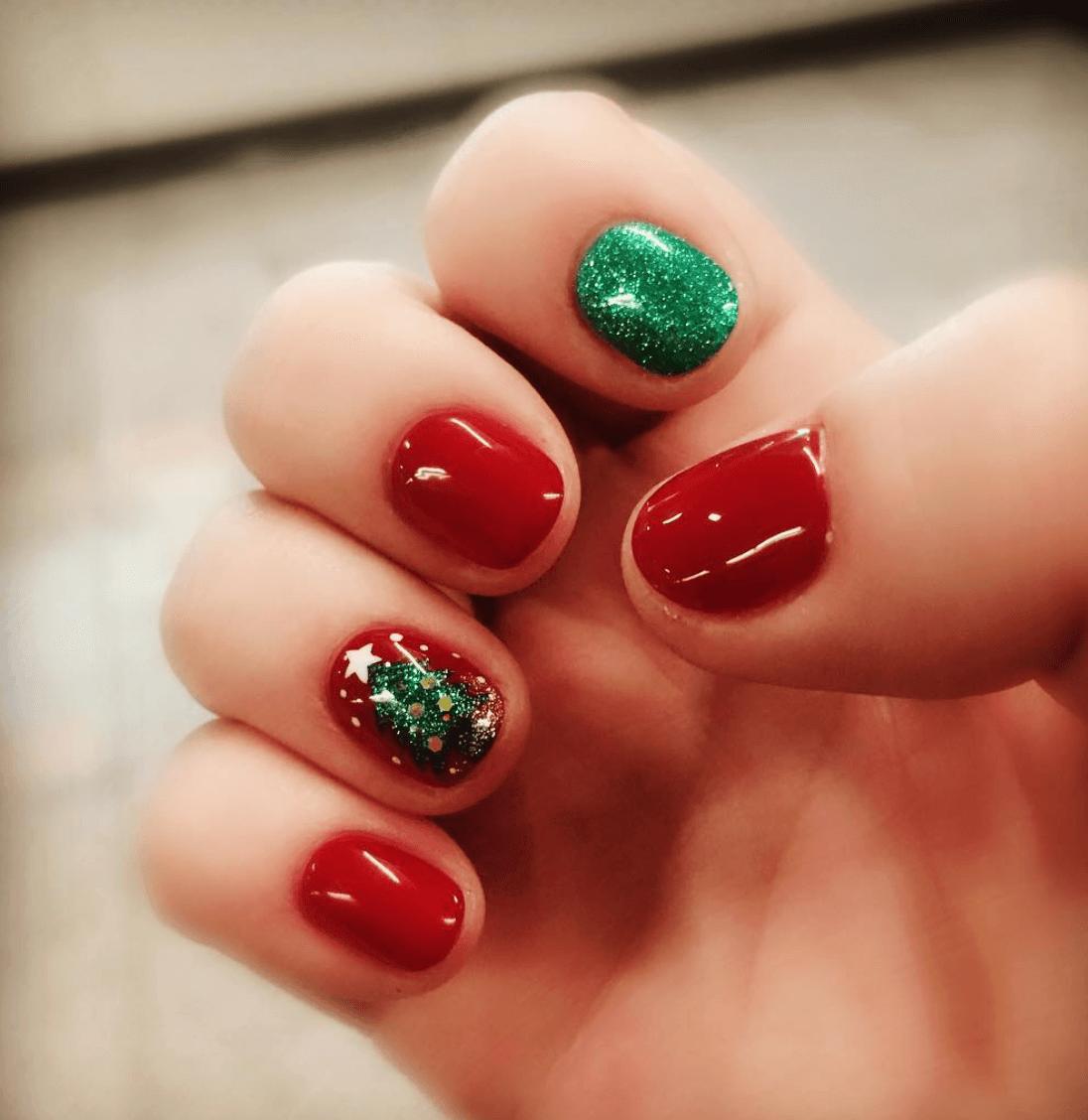 15 Seriously Creative Christmas Nail Art Ideas You Can Do ...