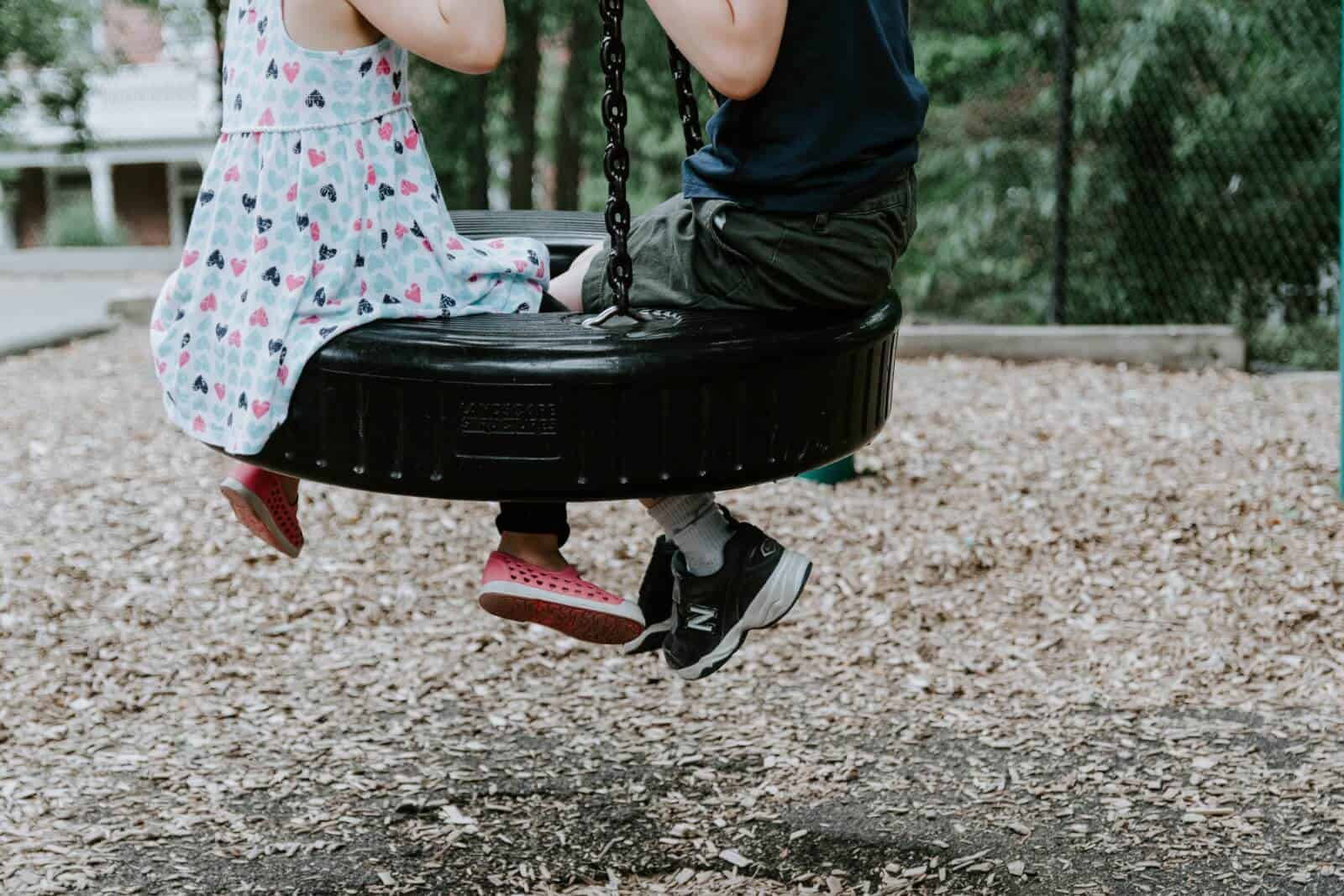 Why Would Anyone Let Their Kid Play >> 6 Reasons To Let Your Kids Just Play On The Playground